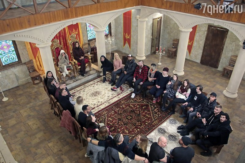 Актриса Настасья Самбурская в теле-шоу «Битва престолов»
